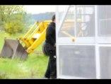 Harzé: ils montent les chars de la city parade de Liège