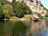 France Périgord noir balade en gabare sur la Dordogne village de Roque Gageac