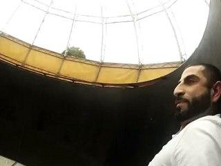 Kheiron dans une centrifugeuse géante.