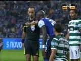 Il Porto stende lo Sporting e aggancia in testa il Benfica