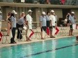 Japon: des nageurs se jettent à l'eau en armure de samouraï