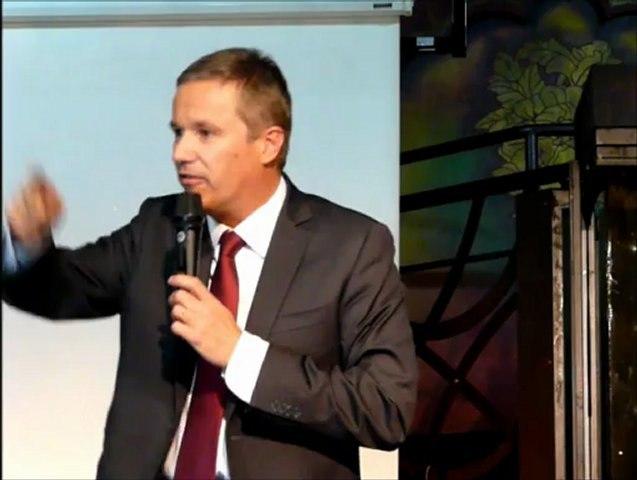 Intervention de Nicolas Dupont-Aignan (DLR), lors de la conférence organisée par le Forum démocratique le 8 octobre