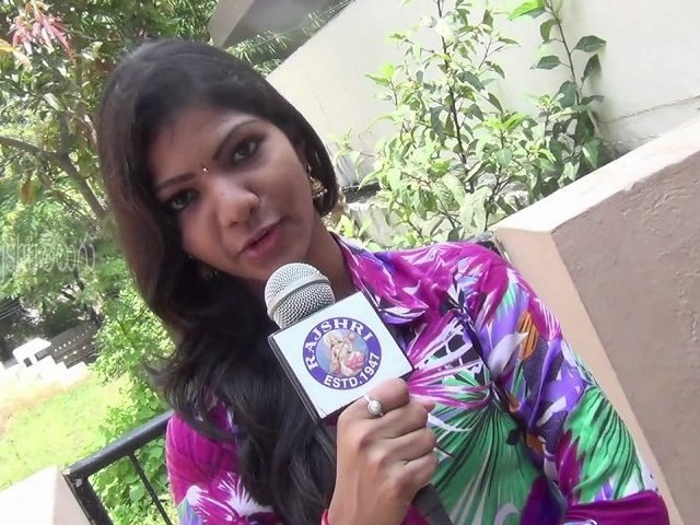 """Exclusive Interview - Sravani - One Of The Leads Of Telugu Movie """"Railway Station"""" - Tollywood News [HD]"""