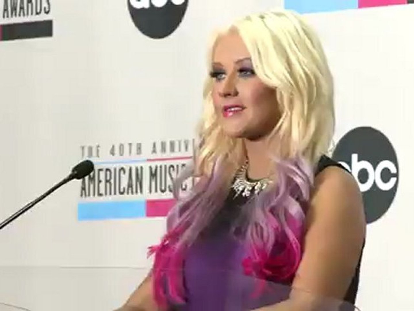 Christina Aguilera Shows Her Assets @ the 2012 AMA Press Conference 1