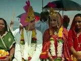 Dariya Ho Song _ Kamaal Dhamaal Malamaal Video Song  Shreyas Talpade, Madhhurima