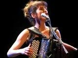 Chloé Lacan chante Fais moi mal Johnny, Salle des Rancy (1), Lyon, mars 2012