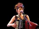 Chloé Lacan chante Salle des Rancy (2), Lyon, mars 2012