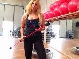 Monya fitness e Giwa braccia e glutei tonici con il Butterfly Flexi-Bar sul trampolino elastico