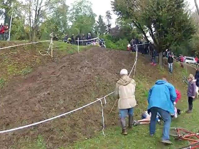 Cyclo-Cross de verneuil en halatte (chute)