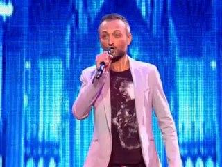 """Ugo Farell chante """"Con Te Partiro"""" - Demi-finale"""