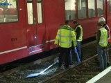 Trein naar Leer uitgevallen door betonnen paal op spoor - RTV Noord