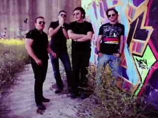 DOS MIL LOCOS ► Un otoño más #musicacopyleft - VIDEOS DE MUSICA PopRock
