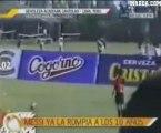 En Video: Así fue el primer gol de Messi a balón parado a los 10 años
