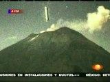 Messico: Gigantesco UFO (Oggetto Volante non identificato) penetra nel vulcano Popocatépetl. Mexico: Giant UFO (Unidentified Flying Object) penetrates the volcano Popocatépetl.WWW.GOODNEWS.WS