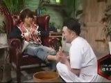 Kazuya se fait masser le pied