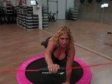 Monyafitness e Giwa esercizi in propriocezione con la Flexi Bar Butterfly sul trampolino elastico