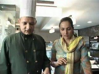 Journeys & Curries –  Episode 1 – Amritsar – Greek Salad and Chicken Grilled with Orange Sauce