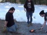 Casser une guitare en feu sur la tete de son pote - TconouKoi