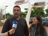 Árboles solares para recargar los móviles en plena calle