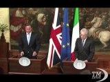 Monti e Cameron divisi su euro: a Italia conviene a britannici no. Premier divisi su moneta, ma uniti su crescita Unione europea