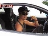 Justin Bieber créé un embouteillage pour discuter aux paparazzis