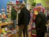 Barack Obama goes Christmas shopping with Sasha and Malia