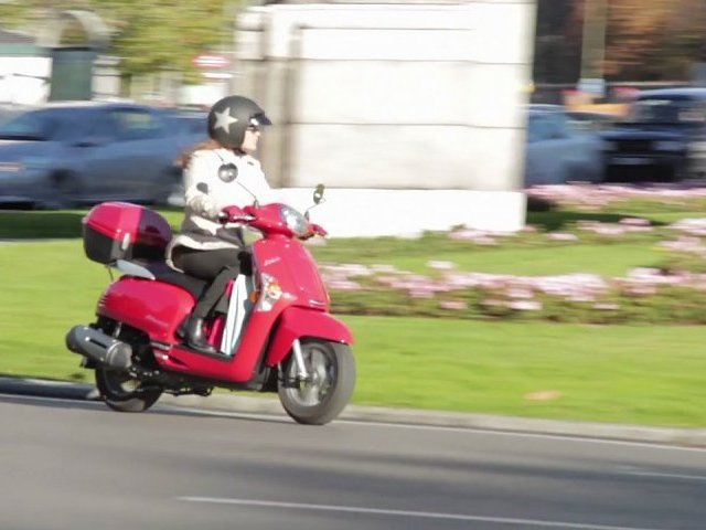 Scooters Kymco para mujeres
