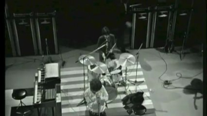 The Doors - Unknown Soldier (LIVE)
