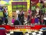 Brandon baila Vals con Estrellita del Mar.