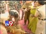 CPM activists protest unclean Vijayawada roads
