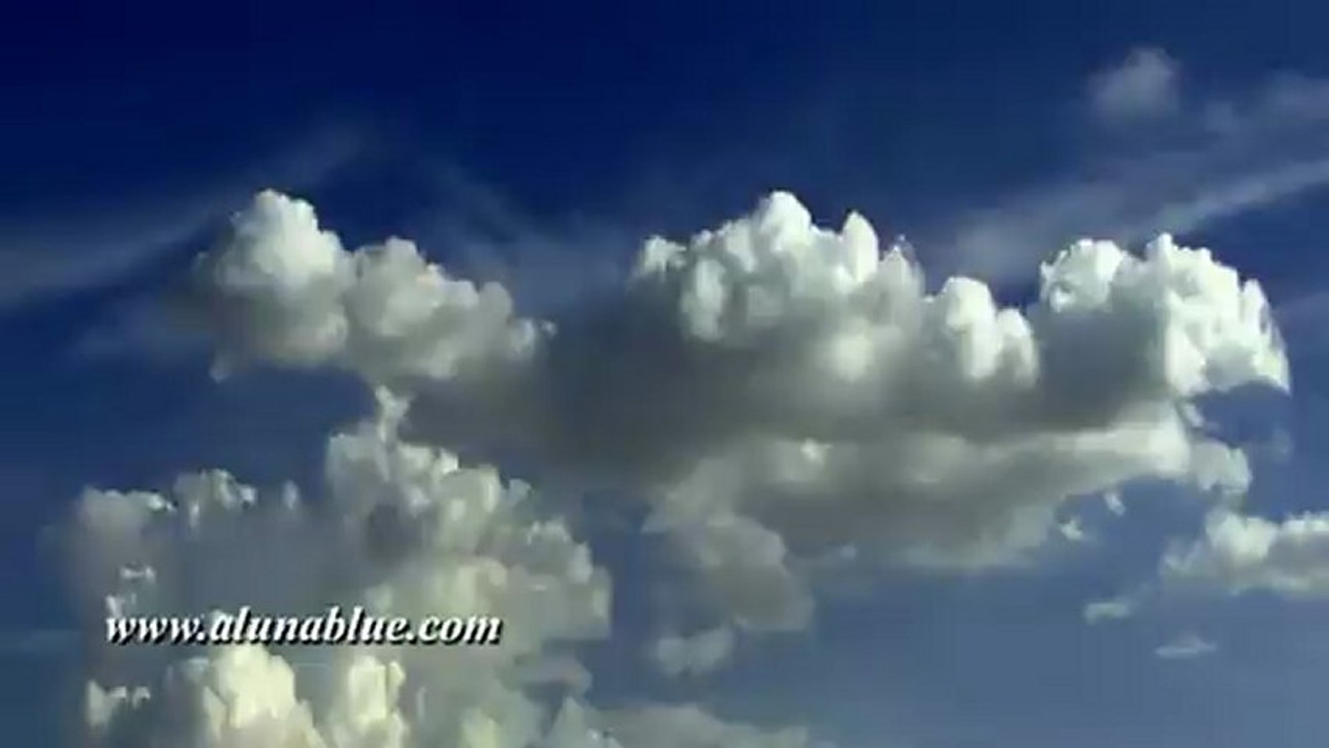 Cloud Video Backgrounds - Fantastic Clouds 01 clip 04 - Stock Video - Stock Footage