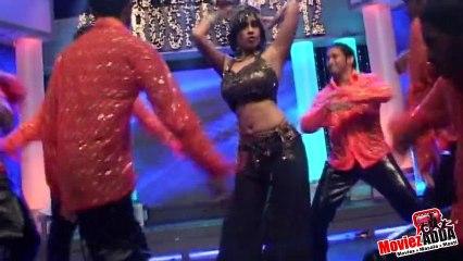 """Aiysha Saagar Perrforming """"Hips Don't Lie"""" At Bright awards"""