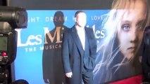 Russell Crowe jure de réunir sa famille après que sa femme ait brisé son silence