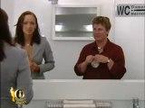 Hidden cam in women's toilets - Camera cachée aux toilettes des femmes