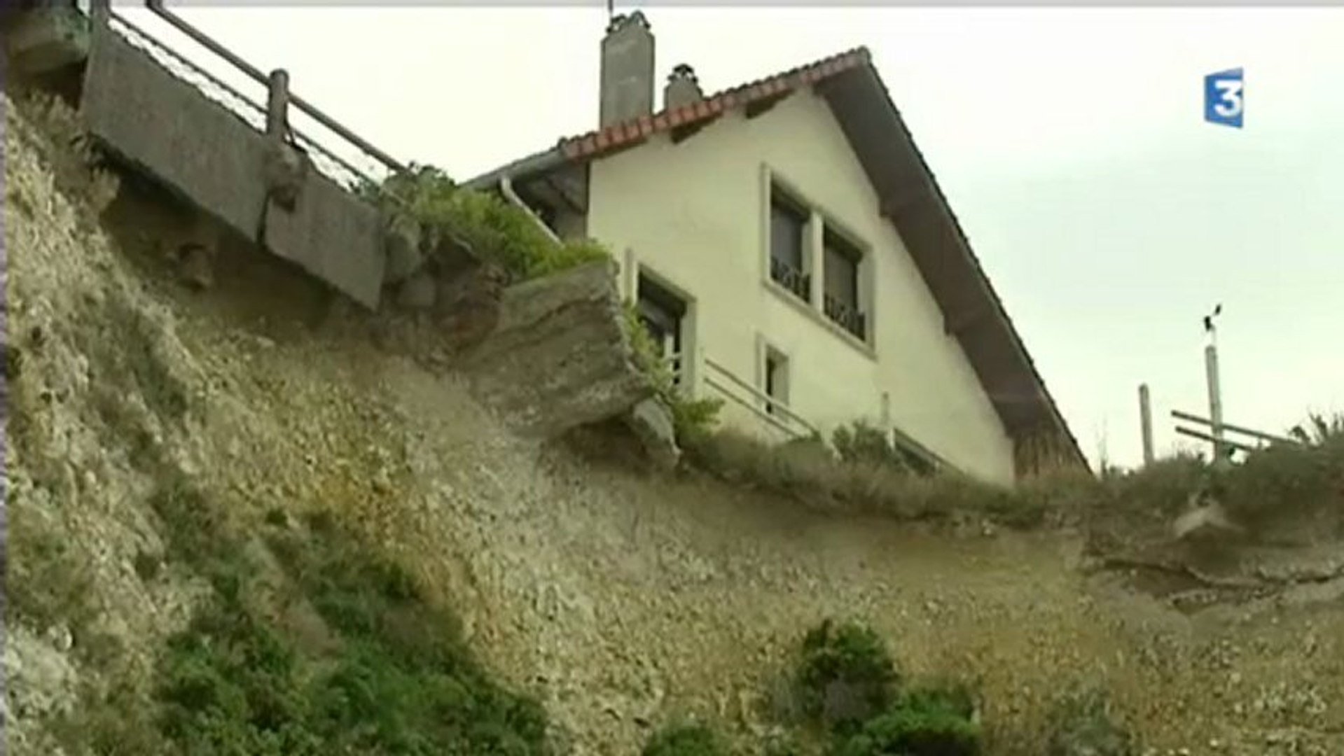 Seine Maritime L Inexorable Erosion Des Falaises Video Dailymotion