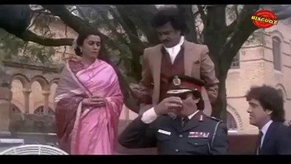 Hum : (Comedy Scene)   Amitabh Bachchan, Kader Khan 11