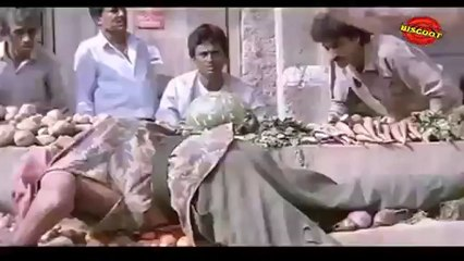 Hum: (Dramatic Scene)   Bachchan, Kimi Katkar 14