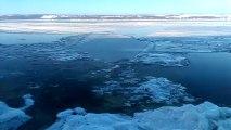 Marée montante dans le Saint-Laurent gelé - Décembre 2012