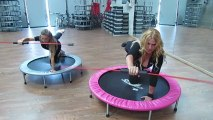 Monya fitness Giwa lavorare in quadrupedia sulla tavola propriocettiva trampolino elastico