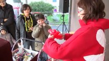 "VIDEO Quiberon fête Noël - Sculpteur de ballons avec ""Soazig"""