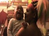 La poetesse Nathy Ebriet les rires de son bebe Issa Paris