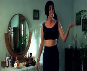 Very Hot Meeta Vasisht Removing Saree.mp4