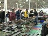 """Après la tuerie de Newtown, le succès grandissant des """"gun shows"""" aux Etats-Unis"""