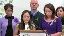 Un mois après Sandy Hook, des parents appellent au changement