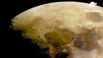 Un OVNI aurait été aperçu survolant les reliefs lunaires.