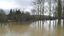 Villecomtal-sur-Arros, Gers: L'Arros s'étale à grands flots...