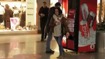 Croquinambourg: COCA COLA - Distributeur de bonheur -