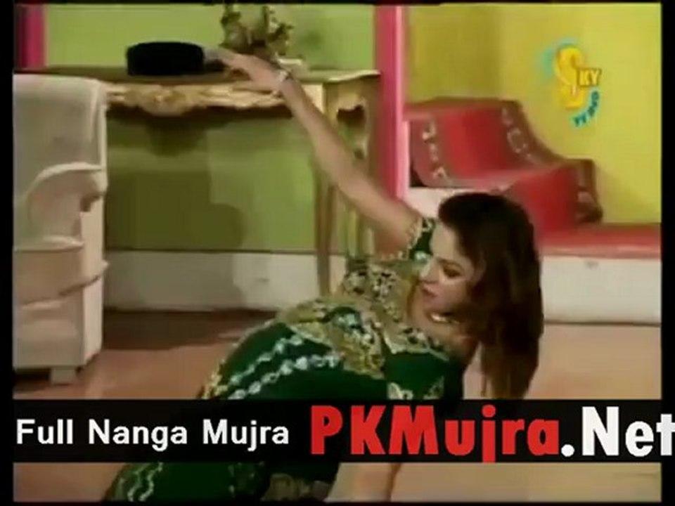 Kundi Na Kharka Sohneya Saima Khan Mujra - YouTube - video