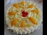 Bolos(Cakes) Brancos Recheados e Decorados - Doce Mel Doces