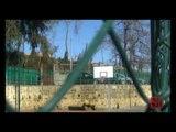 Napoli - Campo basket della scuola chiuso da tre anni (05.02.13)